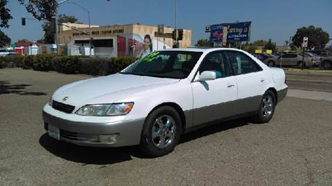1999 Lexus ES 300 for sale at Larry's Auto Sales Inc. in Fresno CA