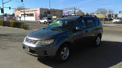 2007 Mitsubishi Outlander for sale at Larry's Auto Sales Inc. in Fresno CA