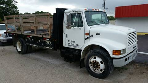 2001 International 4700 for sale at A ASSOCIATED VEHICLE SALES in Weatherford TX