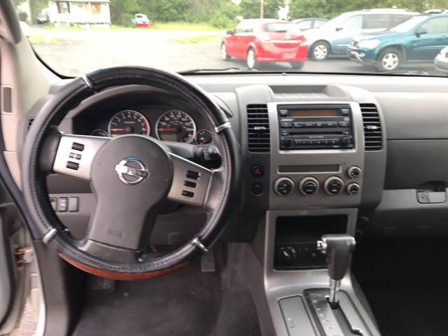 2005 Nissan Pathfinder SE Off Road 4WD 4dr SUV - Hudson NY