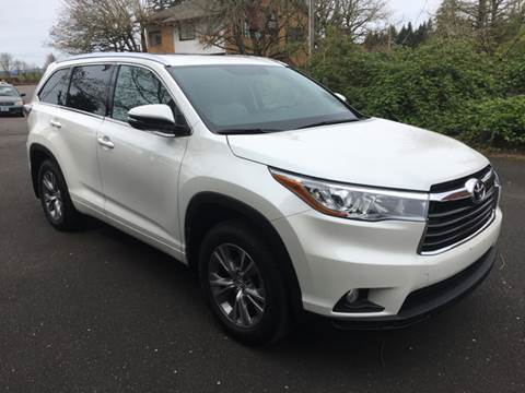 2015 Toyota Highlander for sale at Bridgeport Auto Group in Portland OR