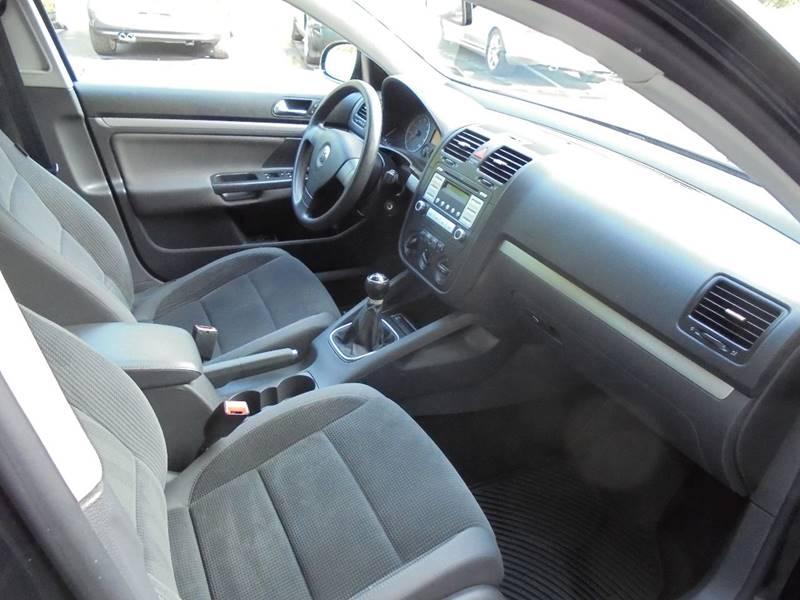 2009 Volkswagen Jetta S PZEV 4dr Sedan 5M - Lock Haven PA
