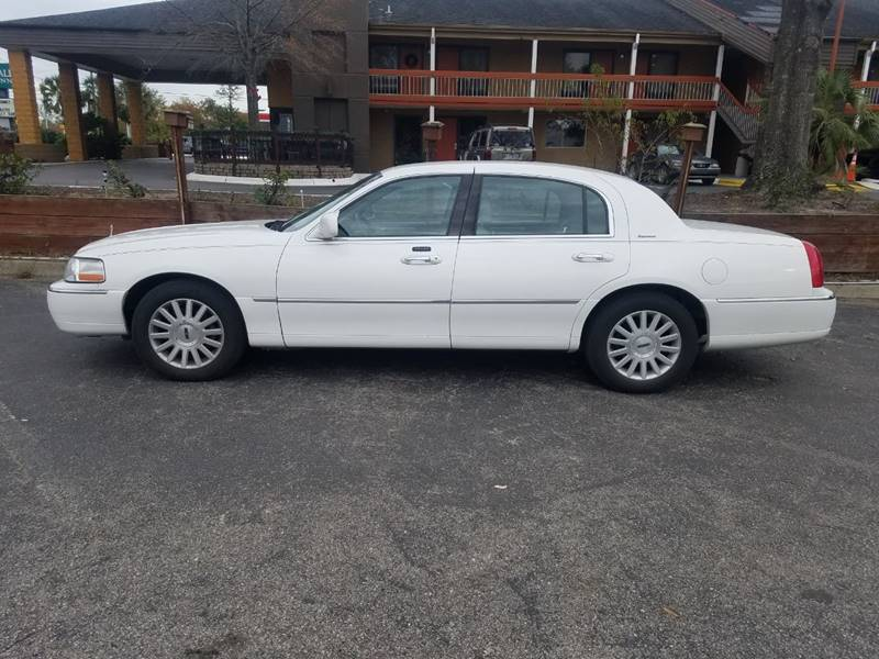 2004 Lincoln Town Car Signature 4dr Sedan In Wilmington Nc Savage