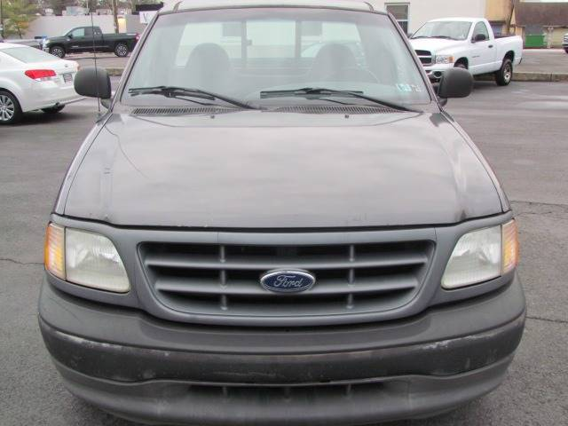 2002 Ford F-150 XL (image 3)
