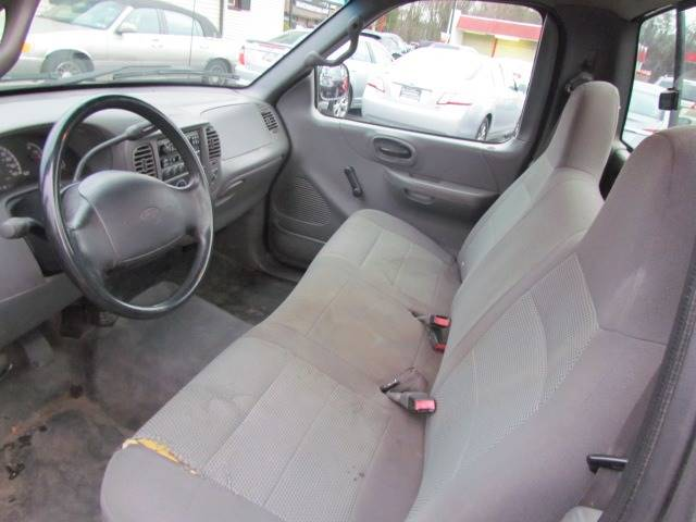 2002 Ford F-150 XL (image 10)
