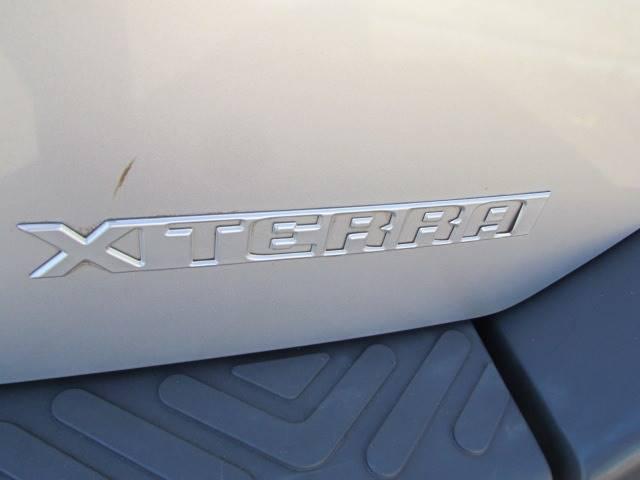 2004 Nissan Xterra XE (image 12)