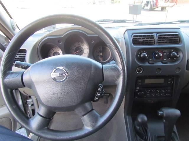 2004 Nissan Xterra XE (image 15)