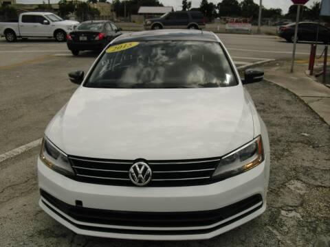 2015 Volkswagen Jetta for sale at SUPERAUTO AUTO SALES INC in Hialeah FL