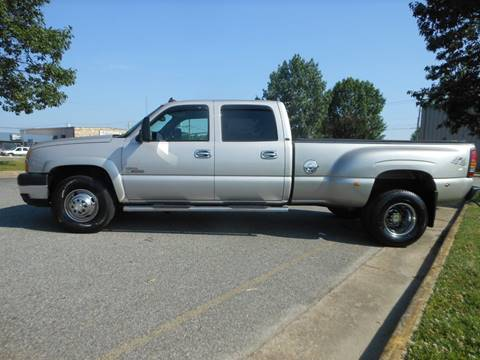 2006 Chevrolet Silverado 3500 for sale at Platinum Auto World in Fredericksburg VA