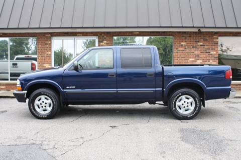 2002 Chevrolet S-10 for sale at Platinum Auto World in Fredericksburg VA