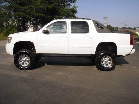 2007 Chevrolet Avalanche for sale at Platinum Auto World in Fredericksburg VA