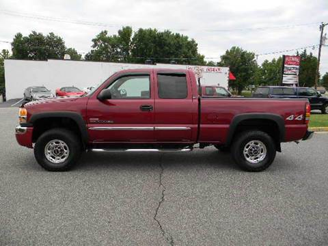 2005 GMC Sierra 2500HD for sale at Platinum Auto World in Fredericksburg VA