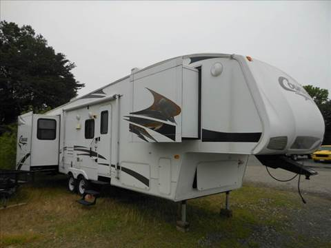 2009 Keystone 316QBS for sale at Platinum Auto World in Fredericksburg VA