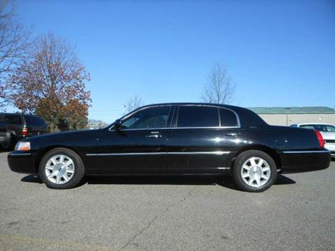 2011 Lincoln Town Car for sale at Platinum Auto World in Fredericksburg VA