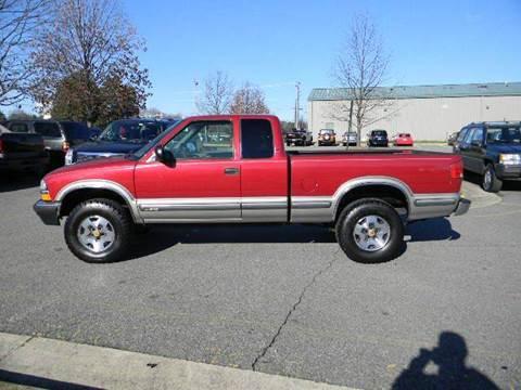 1999 Chevrolet S-10 for sale at Platinum Auto World in Fredericksburg VA