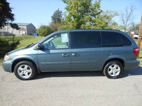 2005 Dodge Grand Caravan for sale at Platinum Auto World in Fredericksburg VA