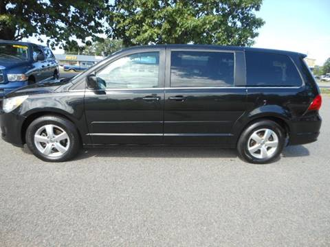 2009 Volkswagen Routan for sale at Platinum Auto World in Fredericksburg VA