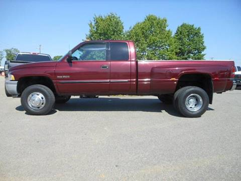 2001 Dodge Ram Pickup 3500 for sale at Platinum Auto World in Fredericksburg VA
