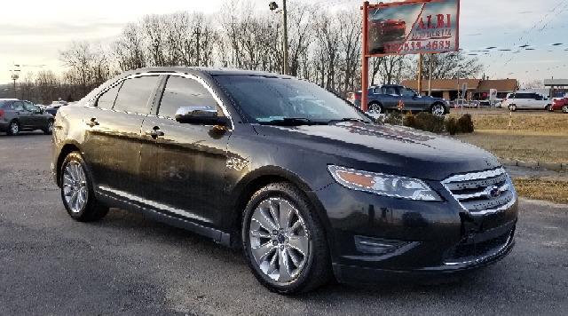 2011 Ford Taurus for sale at Albi Auto Sales LLC in Louisville KY