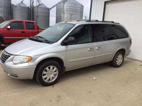 2006 Chrysler Town and Country for sale in Pipestone, MN