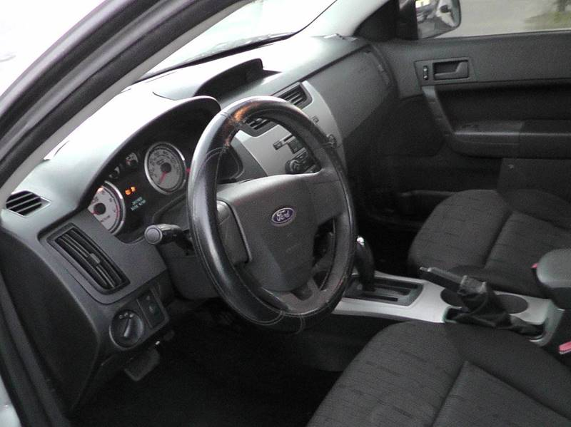 2009 Ford Focus SE 4dr Sedan - Pomona CA