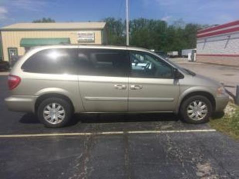 2005 Chrysler Town and Country for sale in Shelbyville, IN
