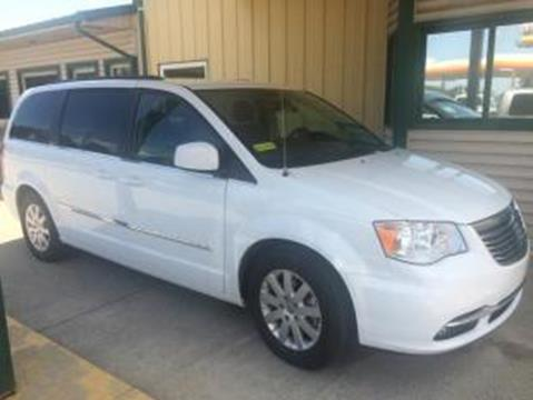 2016 Chrysler Town and Country for sale in Shelbyville, IN