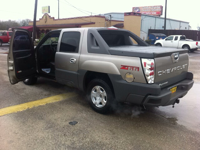 2002 Chevrolet Avalanche for sale at Best Buy Autos in Mobile AL