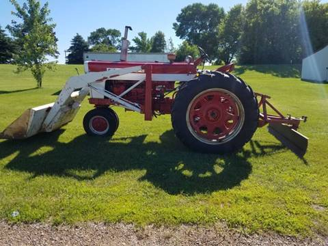 1960 International 460 for sale in Ridgeway, IA
