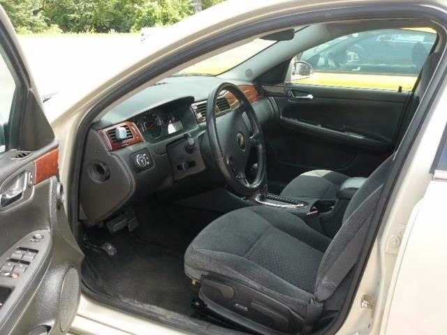 2010 Chevrolet Impala LT 4dr Sedan - Montevideo MN