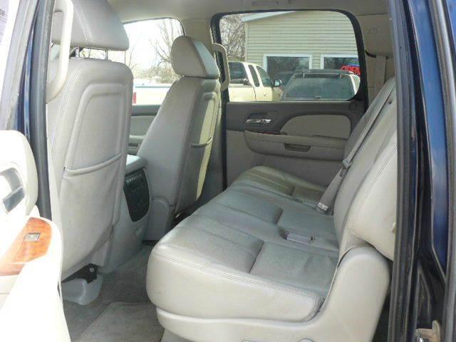 2008 Chevrolet Suburban 4x4 LT 1500 4dr SUV - Montevideo MN