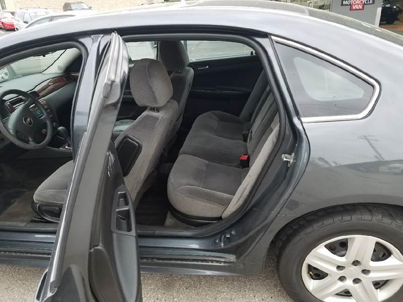 2011 Chevrolet Impala LS Fleet 4dr Sedan w/1FL - Cedar Falls IA