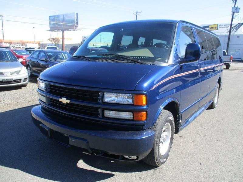 2002 Chevrolet Express Passenger 1500 LT (image 6)