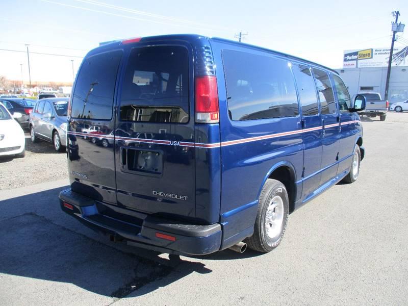 2002 Chevrolet Express Passenger 1500 LT (image 7)