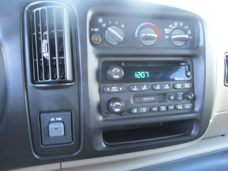 2002 Chevrolet Express Passenger 1500 LT (image 12)