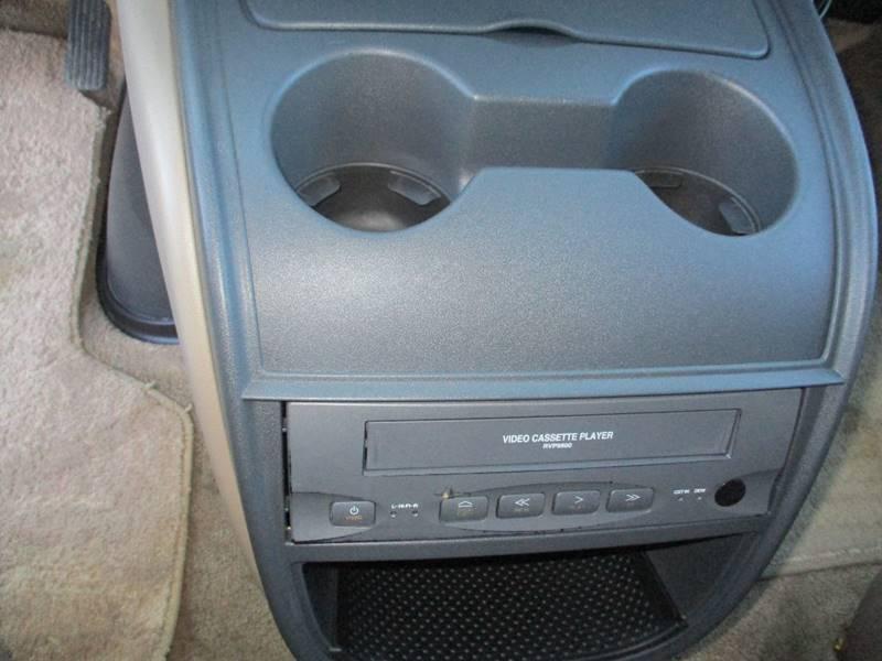 2002 Chevrolet Express Passenger 1500 LT (image 13)
