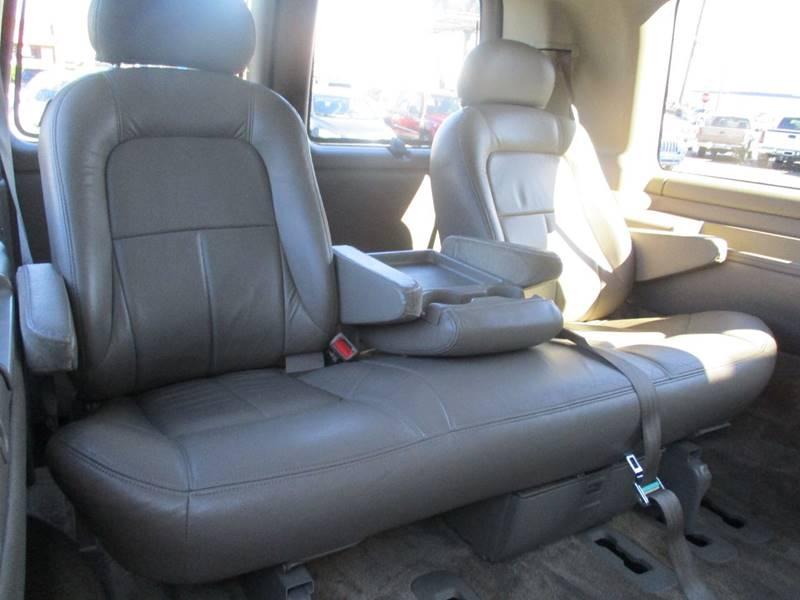 2002 Chevrolet Express Passenger 1500 LT (image 15)