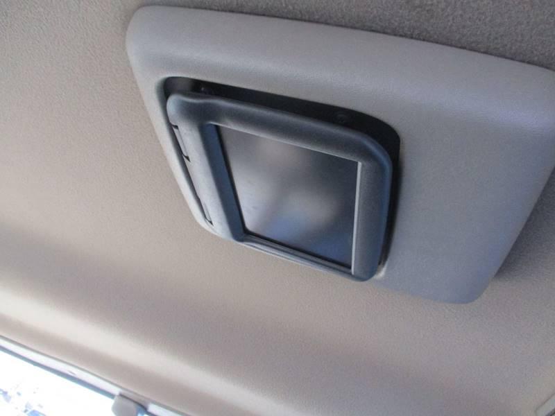2002 Chevrolet Express Passenger 1500 LT (image 17)