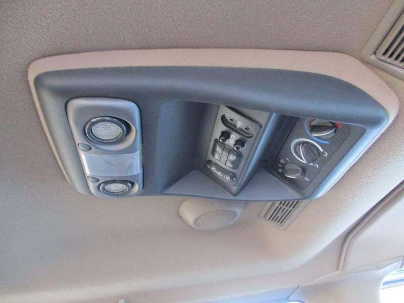 2002 Chevrolet Express Passenger 1500 LT (image 18)