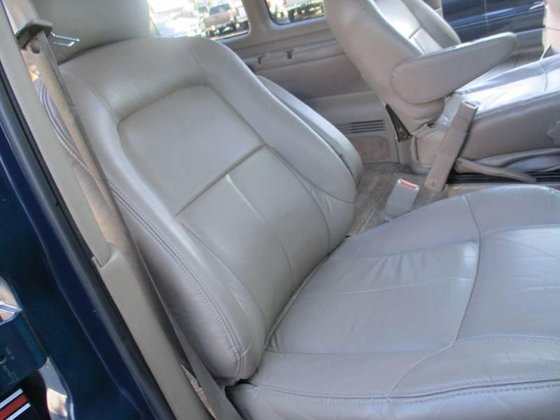 2002 Chevrolet Express Passenger 1500 LT (image 22)