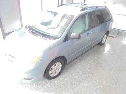2006 Toyota Sienna for sale at Settle Auto Sales TAYLOR ST. in Fort Wayne IN