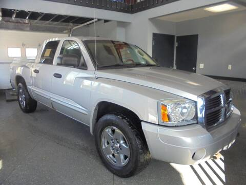 2005 Dodge Dakota SLT for sale at Settle Auto Sales TAYLOR ST. in Fort Wayne IN
