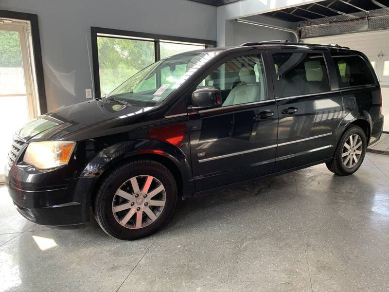 2009 Chrysler Town and Country for sale at Settle Auto Sales TAYLOR ST. in Fort Wayne IN