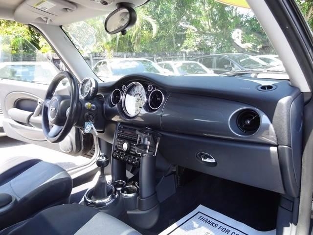 2005 MINI Cooper 2dr Hatchback - Hollywood FL