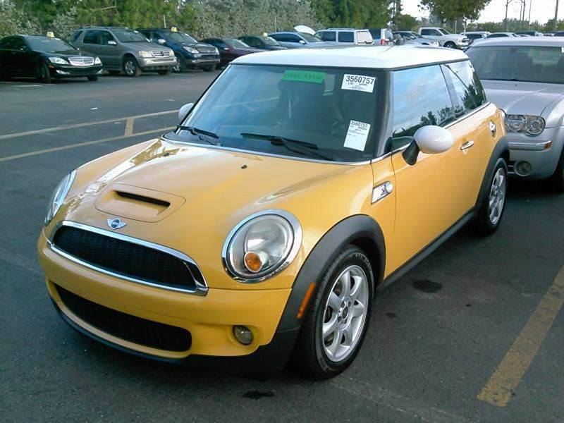 2009 MINI COOPER S 2DR HATCHBACK yellow no credit needed 72619 miles VIN WMWMF73589TT94226