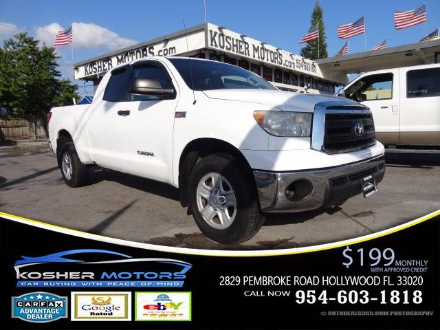 2010 TOYOTA TUNDRA GRADE 4X4 4DR DOUBLE CAB PICKUP white 4x4 double cab trd-off road package t