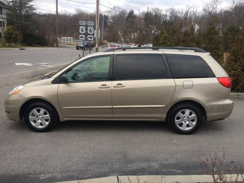 2006 TOYOTA SIENNA LE 8 PASSENGER 4DR MINI VAN gold one owner carfax 8 passanger super clean gas