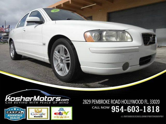 2006 VOLVO S60 25T 4DR SEDAN champagne the volvo s60 combines excellent performance and a great