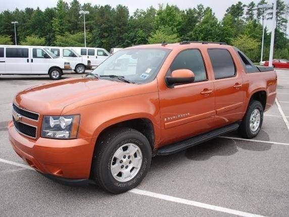 2007 CHEVROLET AVALANCHE LT 1500 4DR CREW CAB SB orange yes only 88k miles leather  lt packag