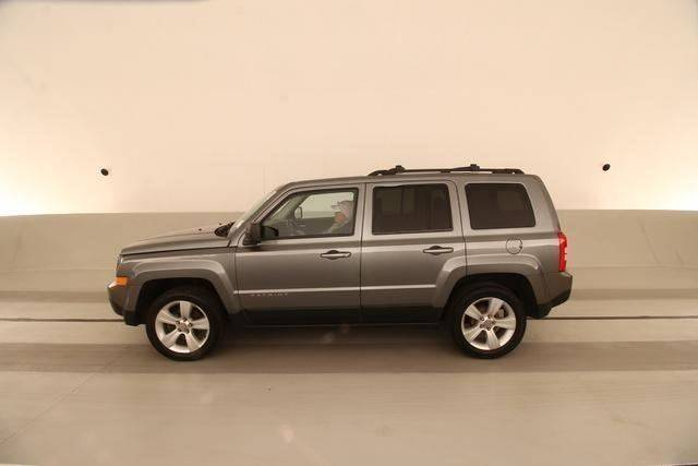 2014 JEEP PATRIOT LATITUDE 4DR SUV gray yes only owner carfax super clean gas saver automati